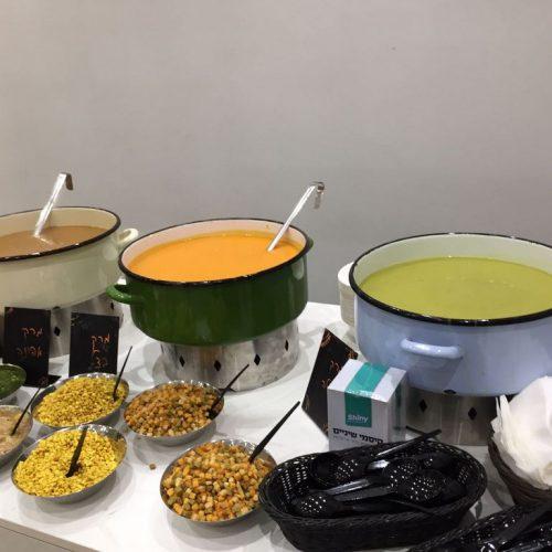 דוכן מרקים באירוע של חברת טאבולה