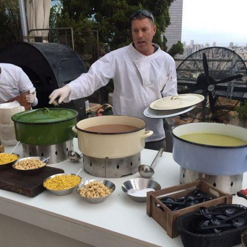 דוכן מרקים מפנקים באירוע של חברת טאבולה